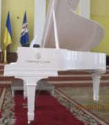 Аренда белого рояля в идеальном состоянии