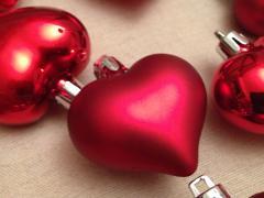 Игрушки на елку (сердечки)